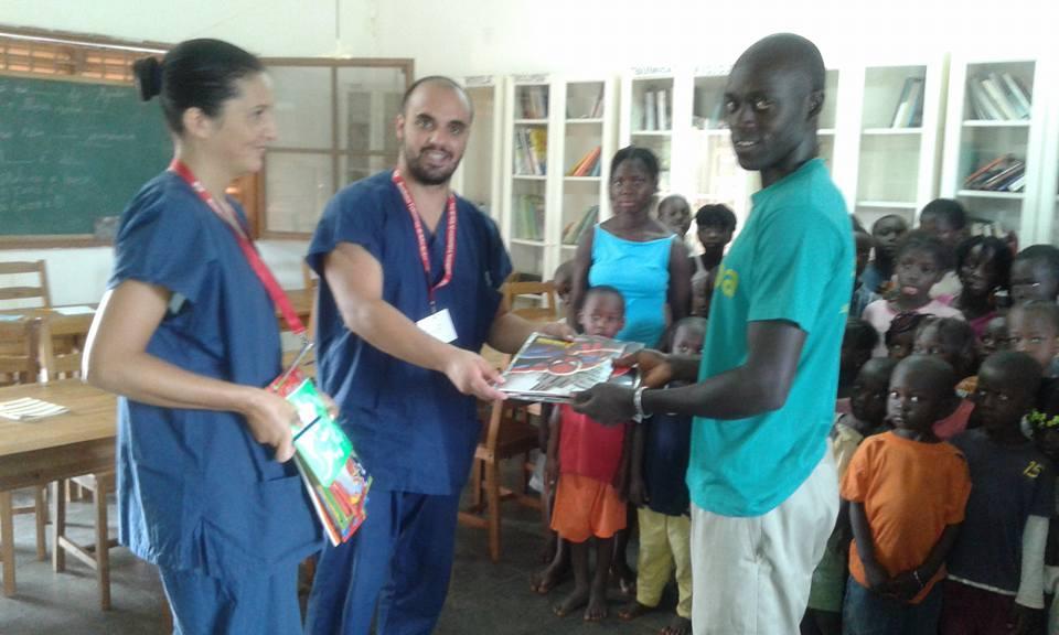 Entrega de Material escolar na ONG soriba- Guine Bissau