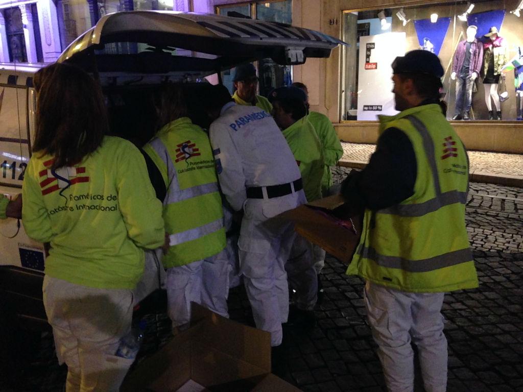 distribuição de preservativos no Bairro alto (Lisboa)